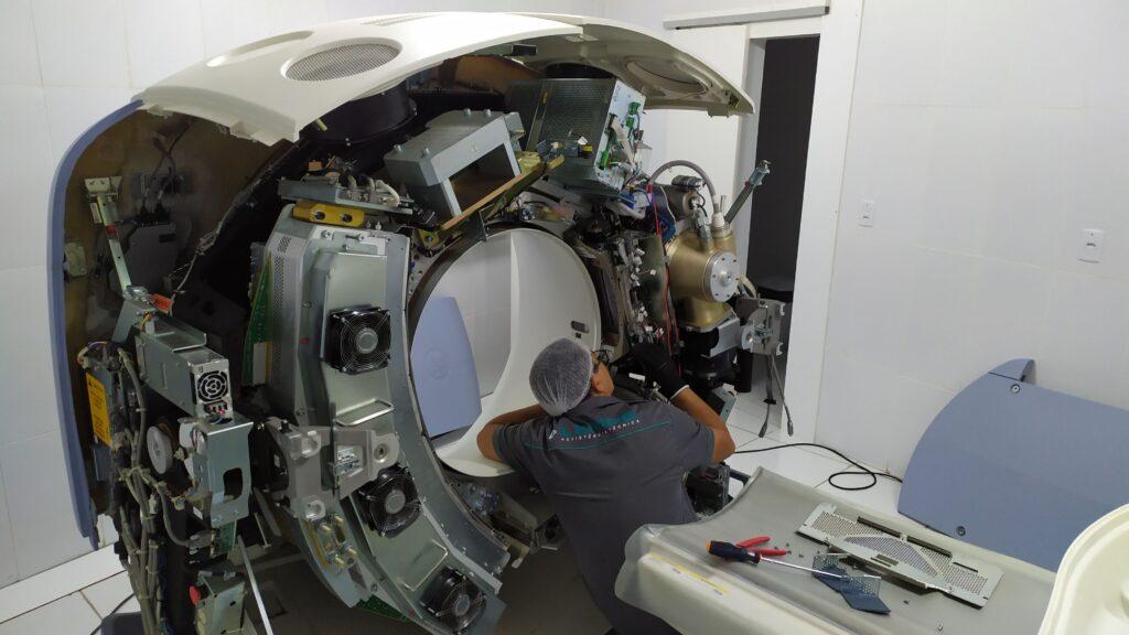 Manutenção de tomografo